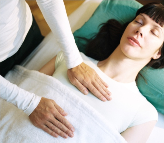 Petra Pfann - Reiki-Behandlung